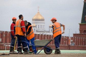 Россия меҳнат мигрантлари учун аванс солиғини жорий қилмоқчи