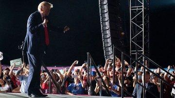 Disco Dancer: Трамп сайловчиларига рақсга тушиб берди (+видео)