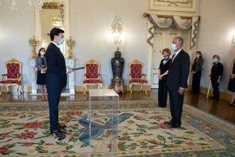 Португалия Президентига ишонч ёрлиғи топширилди